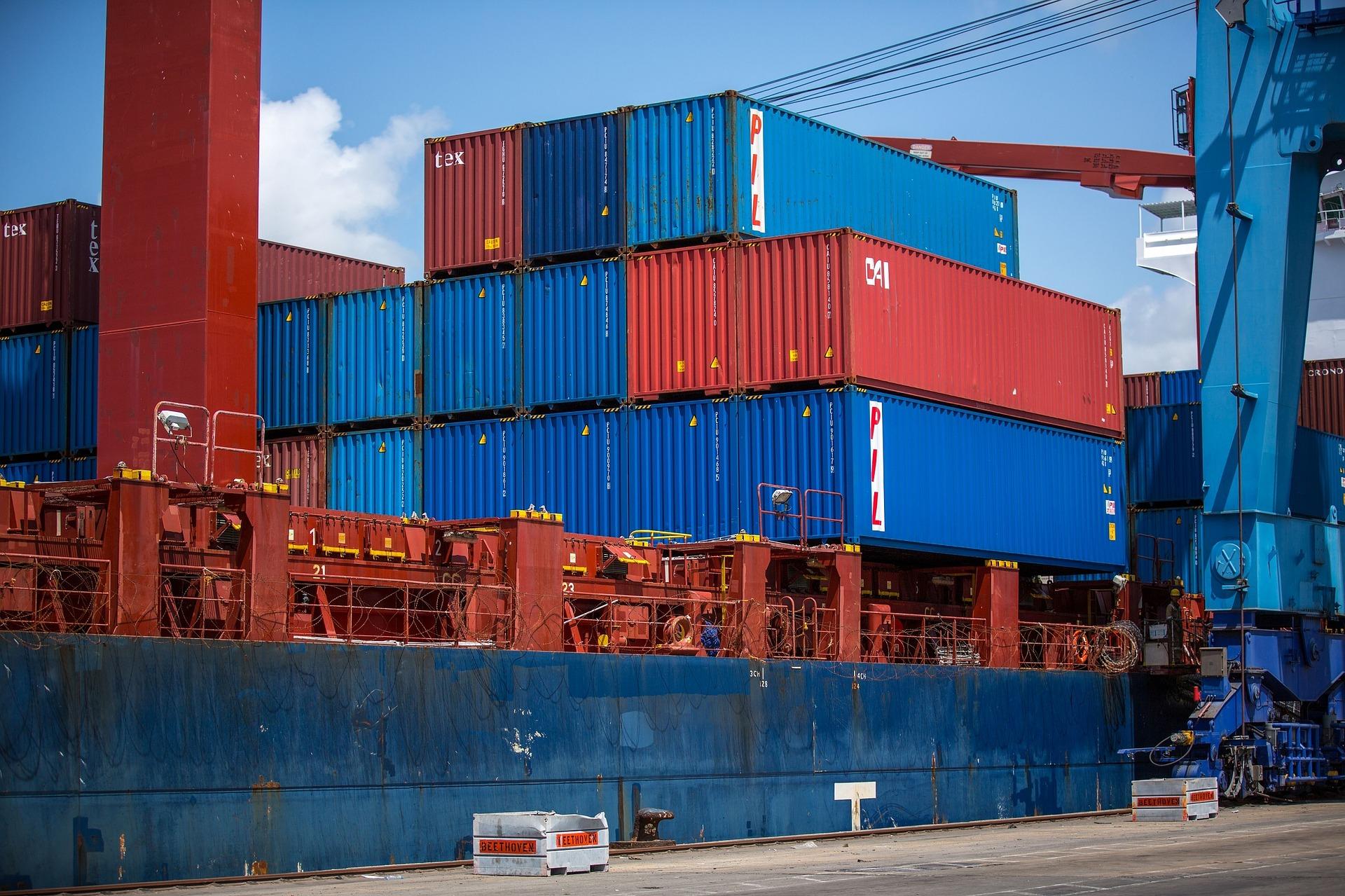 Hoe een zeecontainer te vervoeren